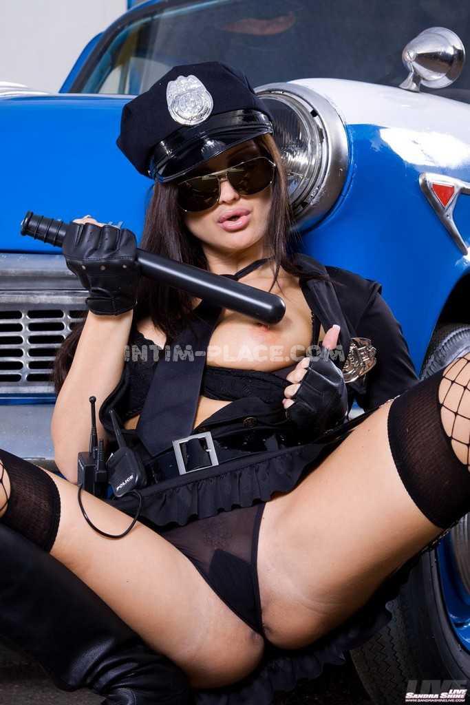 Полицией эротика в